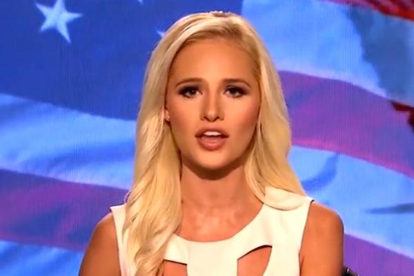 Популярная американская блондинка эмоционально обрушилась на Обаму