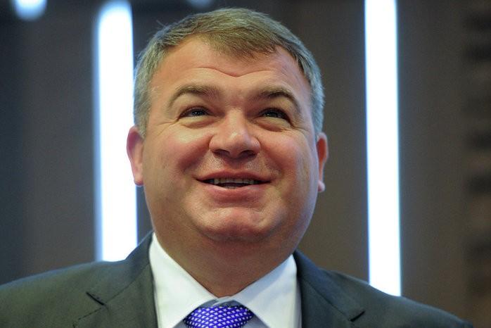 Сердюков занялся бизнесом и недвижимостью