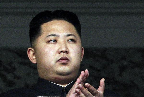 Ким Чен Ын боится есть листья салата из-за угрозы для жизни