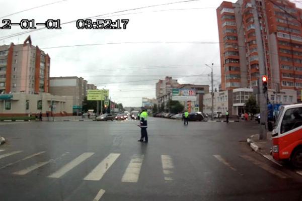 Автомобиль из кортежа Патриарха Кирилла чуть не сбил пешеходов в Иваново