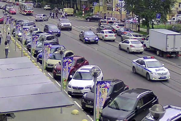 Кортеж главы Нижегородской области напугал толпу пешеходов