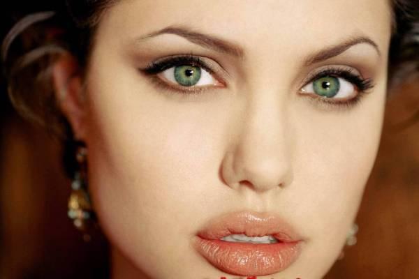 Анджелина Джоли войдет в роль русской императрицы Екатерины II