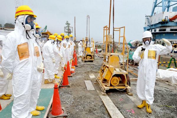 В Японии начали загрузку ядерного топлива в реактор АЭС