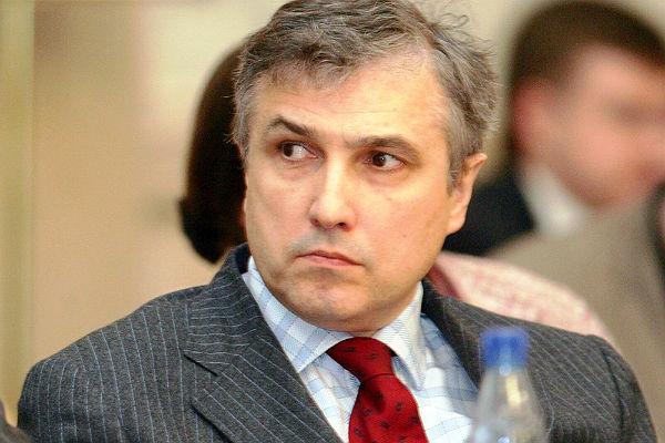 Гендиректор НТВ уходит в отставку из-за денег