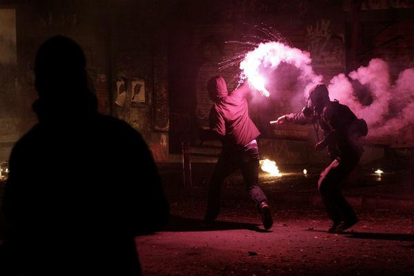 После референдума на улицах Афин начались протесты
