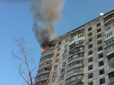 Школьница спасла младшего брата от пожара, спрыгнув с ним с 5 этажа