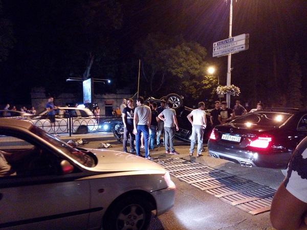 Стритрейсер разбился во время гонок в Пятигорске