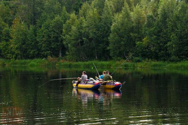 На рыбалке в Карелии загадочно исчезли сотрудники УФСИН