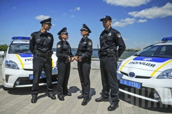 Новых полицейских Киева уволили за сон на работе