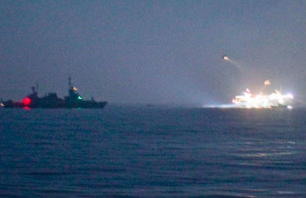 В Средиземном море атакован корабль ВМС Египта