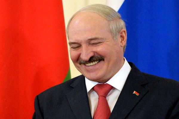 Соперник Лукашенко пришел в ЦИК в стельку пьяным