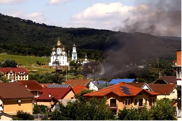 Милиция вместе с бандитами расстреливает «правосеков» в Мукачево