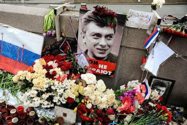 Вещдоки по делу об убийстве Немцова оказались чистыми от следов обвиняемых