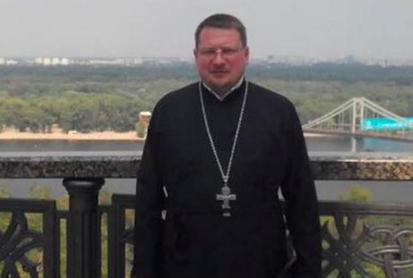 Священник, на которого было совершено покушение, умер в Киеве