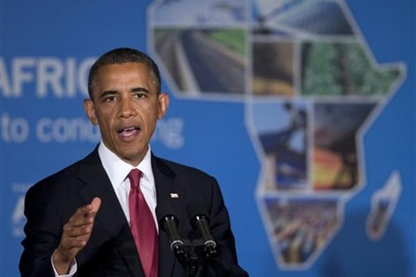 Барак Обама прилетел на родину предков в Кению