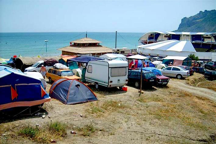 """Многие отдыхают в Крыму """"дикарями"""""""