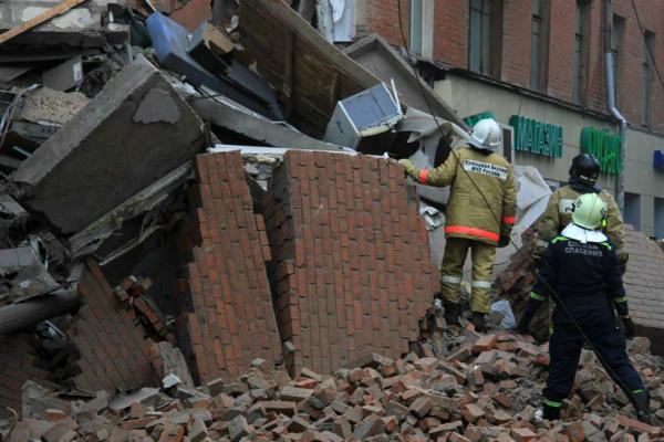 Появились подробности, фото и видео обрушения пятиэтажки в Перми