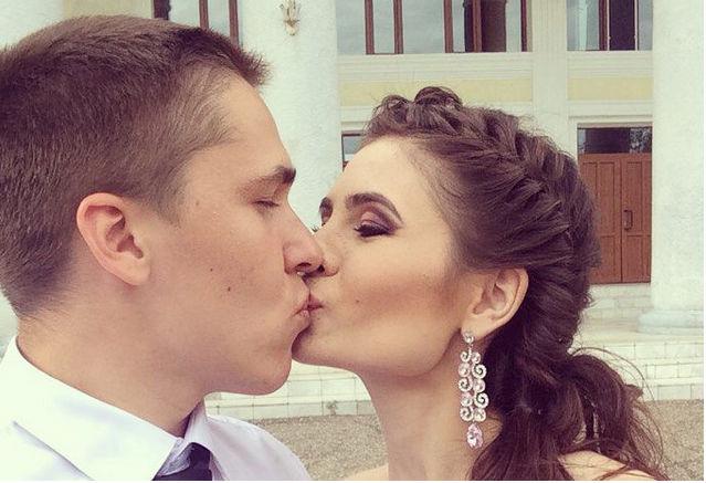 Россияне целуют всех подряд