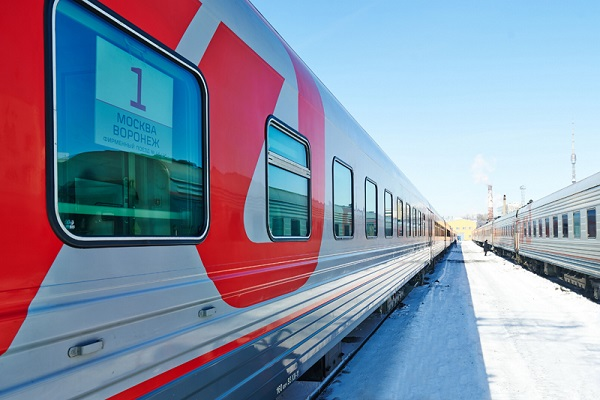 Поезд Воронеж - Москва потерял вагоны со 100 пассажирами