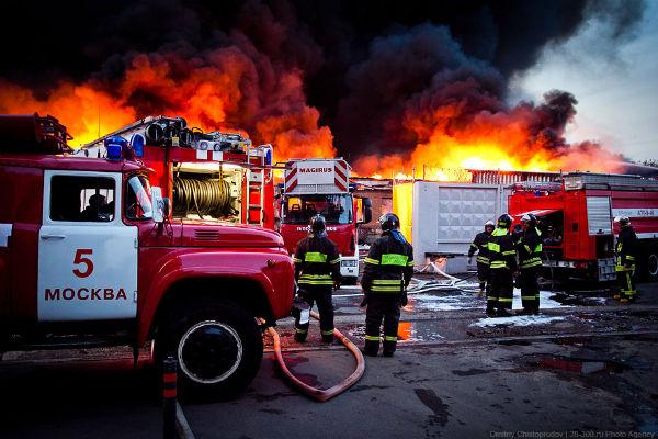 В Новой Москве загорелся рынок со стройматериалами