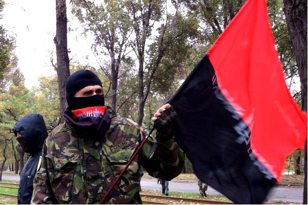 «Правый сектор» обвинил «сепаратиста Порошенко» в жестоких репрессиях