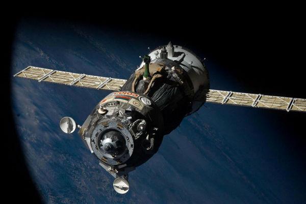 Роскосмос подтвердил отказ левой солнечной батареи на