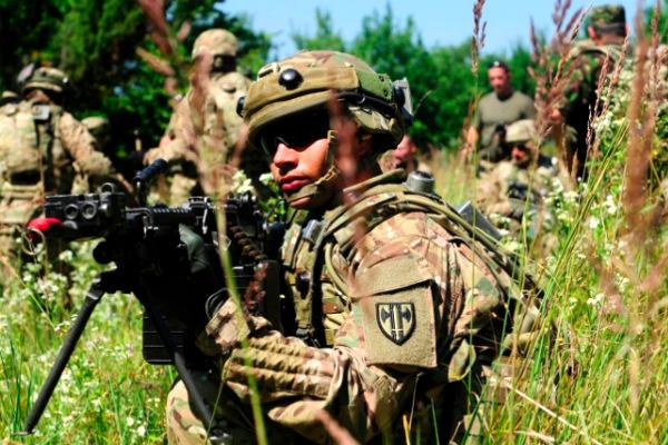 Вооруженных американских морпехов не пропустили на Украину