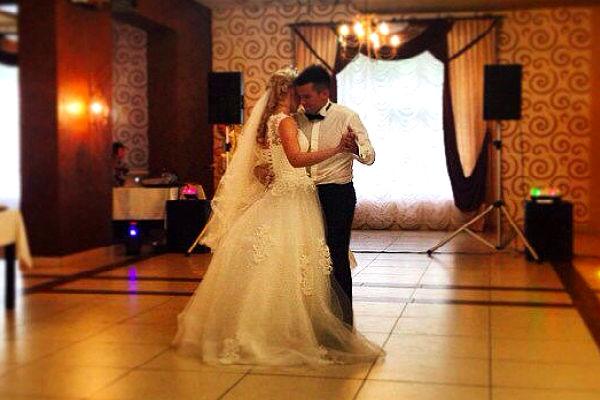 Известная российская красавица-биатлонистка вышла замуж