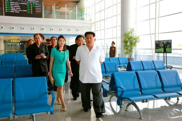 Ким Чен Ын с женой увидел красоты аэропорта и приказал казнить архитектора