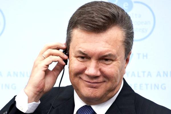 Януковичу предложили сдаться для допроса в Генпрокуратуре Украины