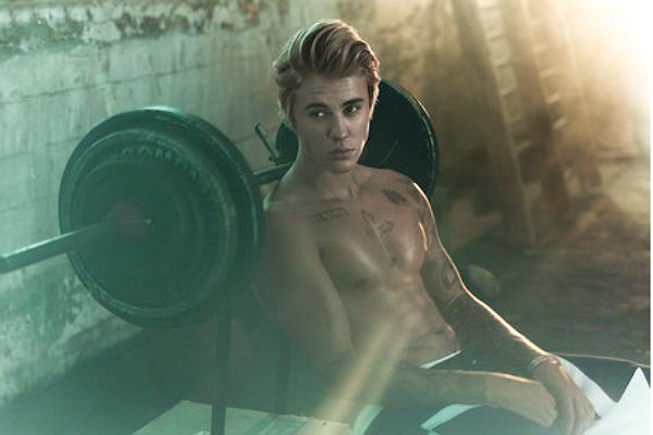 Джастин Бибер показал идеальное тело в новой фотосессии