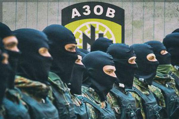 Сотрудники прокуратуры и бойцы