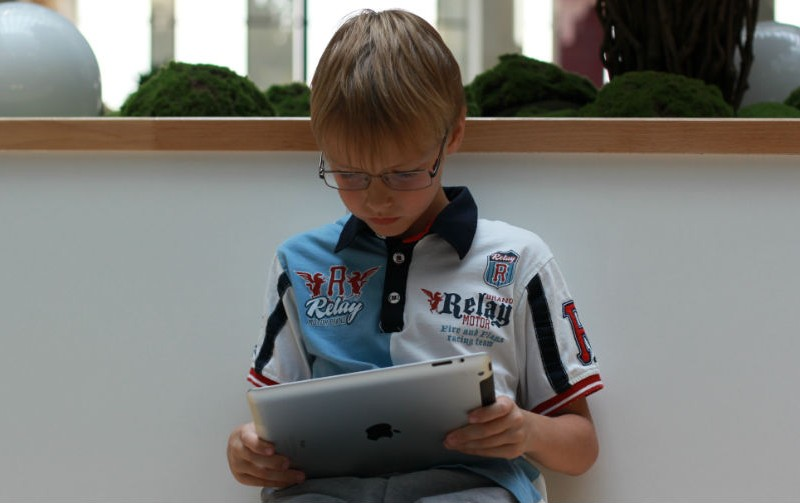 В России запустили мобильное приложение для контроля за зрением ребенка