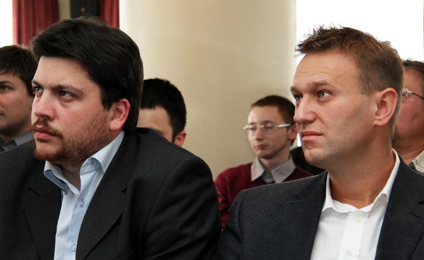 С соратника Навального взяли подписку о невыезде