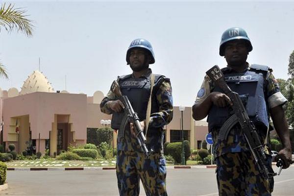 Захваченный в плен боевиками в Мали россиянин выжил