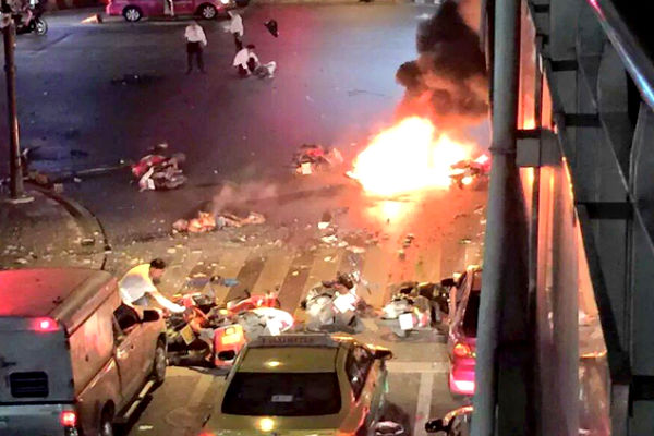 Теракты обвалили фондовый рынок Таиланда