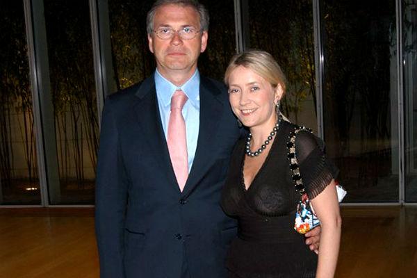 Две квартиры и Bentley жены экс-министра финансов Подмосковья арестованы в Швейцарии