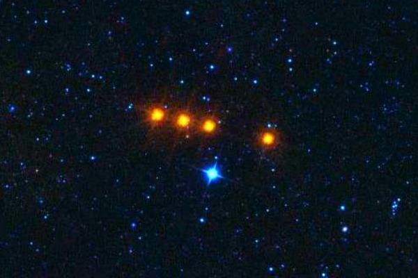 К Земле устремились опасные громадные астероиды, - ученые