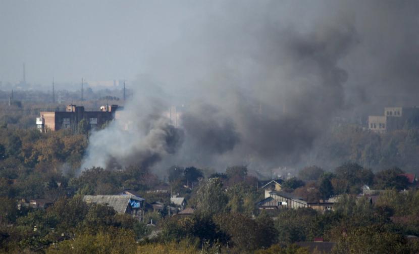 Химзавод Донецка загорелся после обстрела минами
