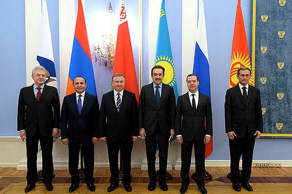 Киргизия вошла в состав ЕАЭС