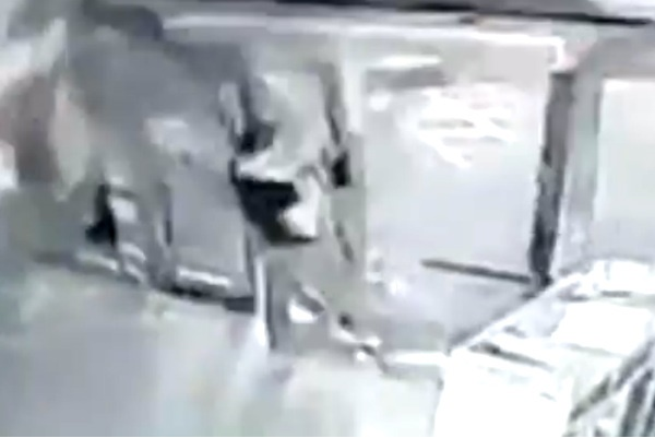 Страшный взрыв в китайском Тяньцзине сняли на видео