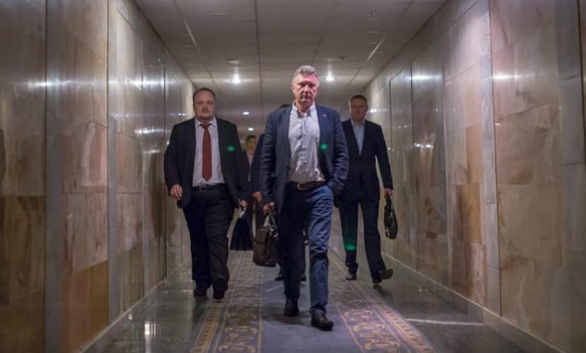 Во время кровавой бойни депутаты Рады сбежали через подземный тоннель