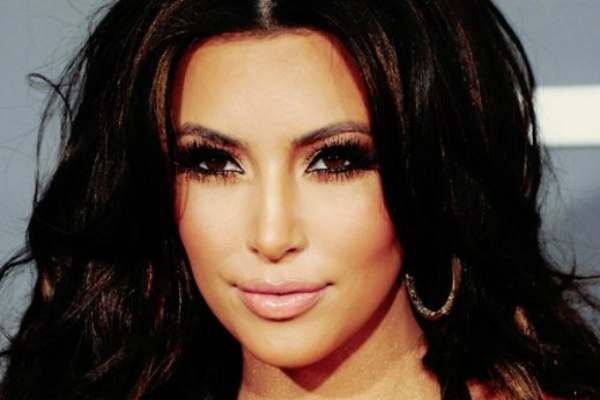Беременная Ким Кардашьян выложила в Сеть очередную фотобомбу