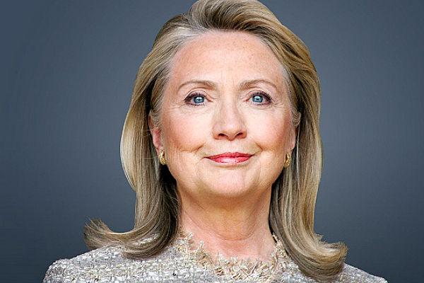 Хиллари Клинтон уличили в разглашении секретной информации
