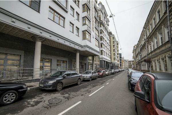 Московские квартиры упали в цене до уровня 2008-го года