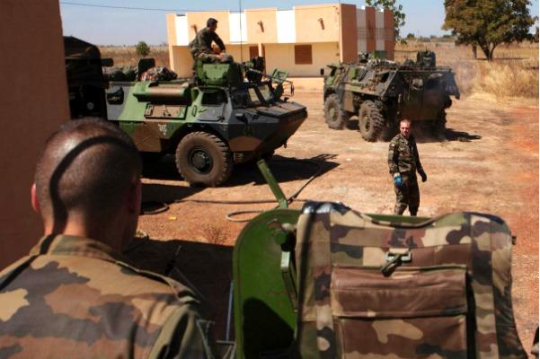 Украинские пилоты стали заложниками террористов после захвата отеля в Мали