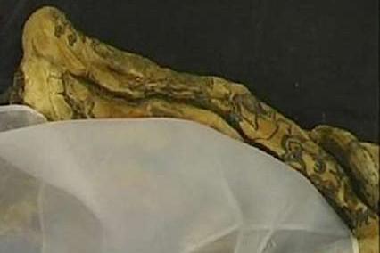 Женщина нашла в постели мумию бывшего мужа