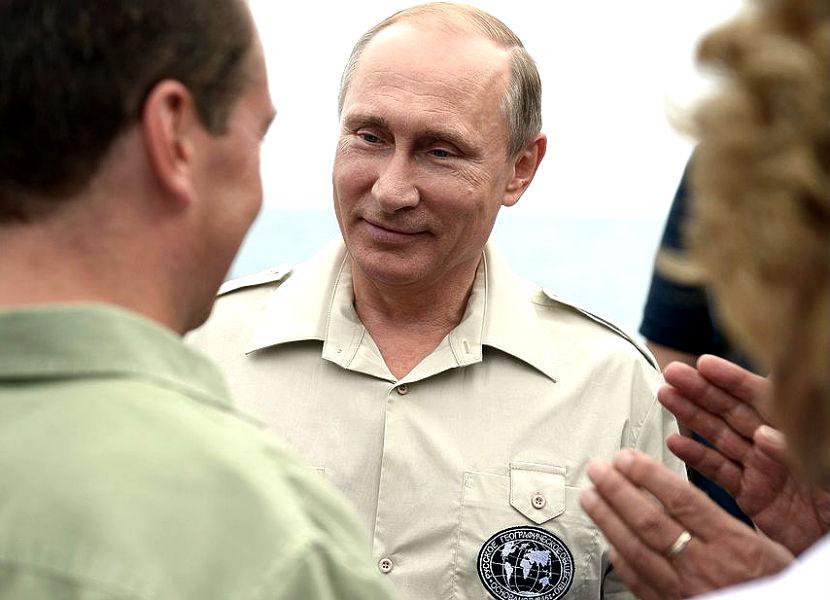 Путин сделал важное открытие, обнаружив на дне моря древние амфоры
