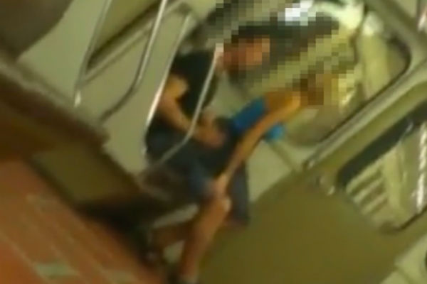 Секс в метро видер