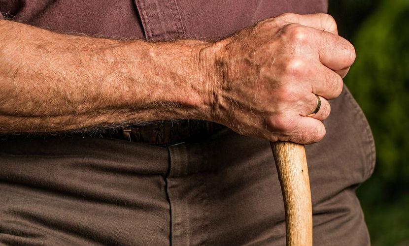 Во Владивостоке пенсионер дал отпор вооруженным грабителям